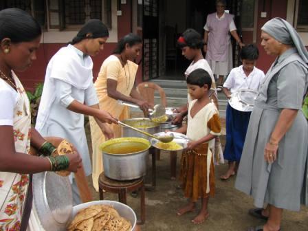 khandala-holiday-home03-jpg